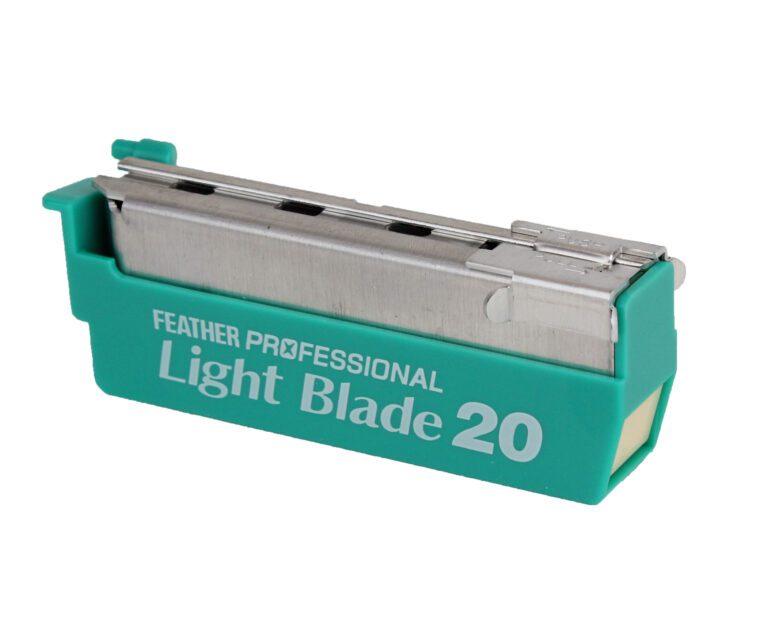 Feather Artist Club Light 20 Blade cartridge